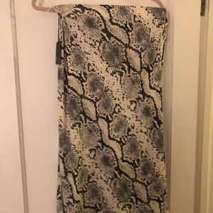 Never worn Wilfred slip skirt size 6